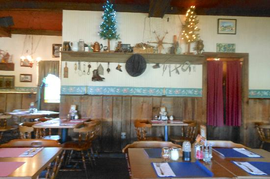 The Antique Inn: Things