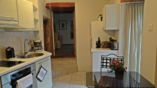OldHouse Apartments: Cocina (Rata 2)