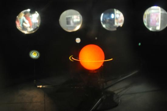 Ontario Science Centre : moving model of the solar system