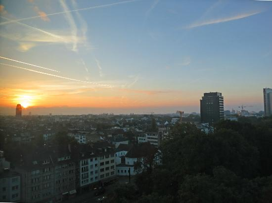 Melia Duesseldorf: View from our window