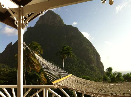 Stonefield Estate Resort: hammock view from flamboyant villa