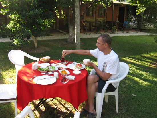 Keyif Pension: завтрак 