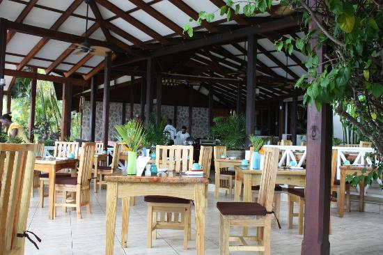 Ti Kaye Resort & Spa: Restaurant area