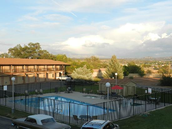 Days Inn by Wyndham Cortez: piscine jacuzzi