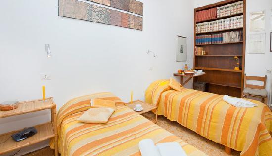 B&B Agli S.Vitati ai Vaticani: stanza gialla