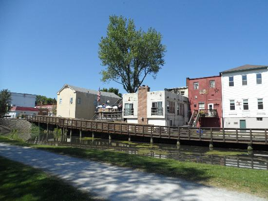 Erie Ave. canal side - Picture of Canal Fulton Canalway Center - Tripadvisor