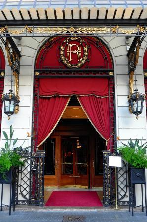 El Palace Hotel: Front Door