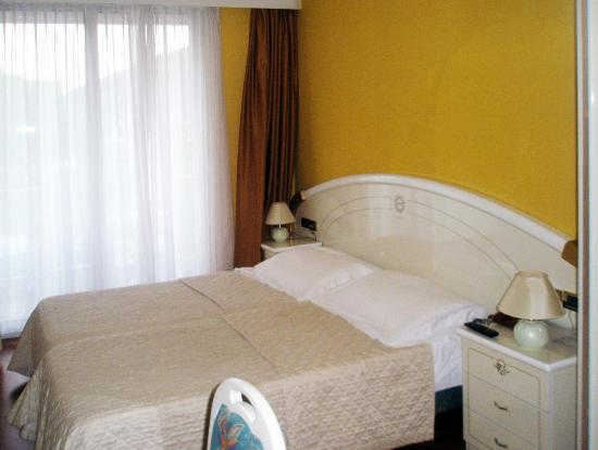 Hotel Savoy Palace - TonelliHotels: Twin Single beds in a Classic room
