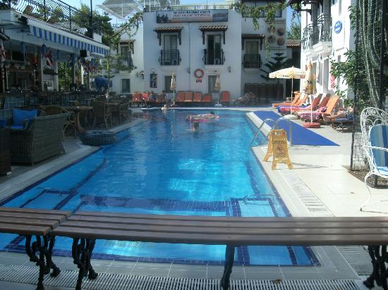 Hotel Istankoy Bodrum: pool photo