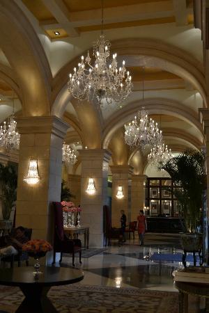 Raffles Beijing Hotel: Lighting