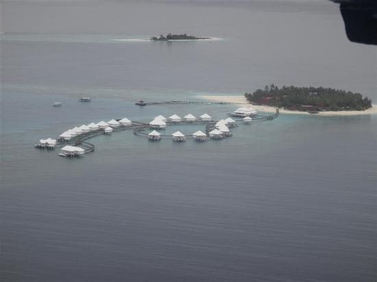 Diamonds Thudufushi: Aerial View from Seaplane