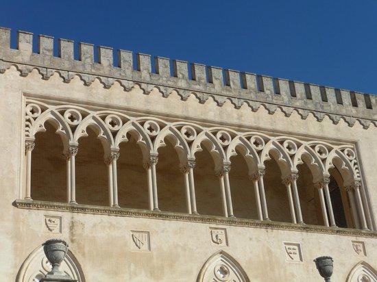 facciata castello di Donnafugata