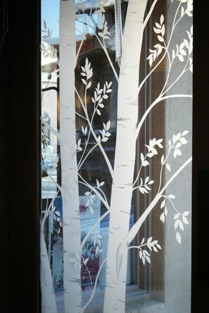 Hotel Pension Anna: Local Glass Artists Work Adorns Interior Doors