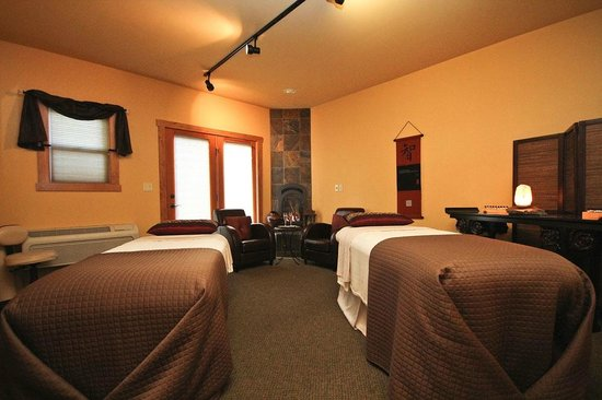 Hotel Pension Anna: Couples Massage Suite