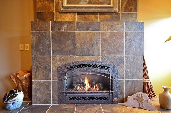 Hotel Pension Anna: Slate Tiled Gas Fireplace