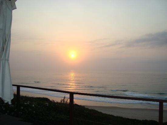 Massinga Beach Lodge: Sunrise