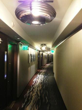 Vdara Hotel & Spa at ARIA Las Vegas: Hallway