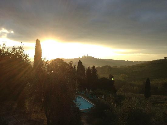 Podere Montese: San Gimignano i morgensol