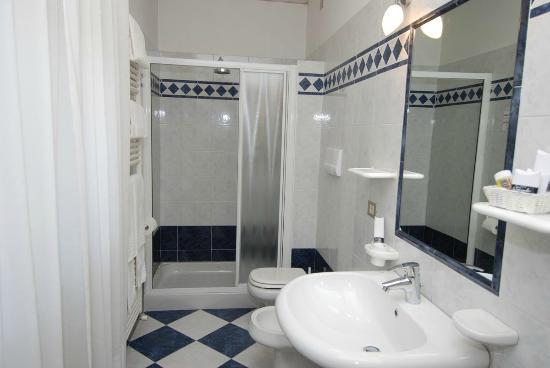 Hotel La Pergola: bagno