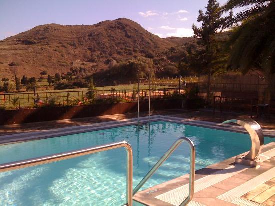 Hotel Rural El Mondalon: la piscine