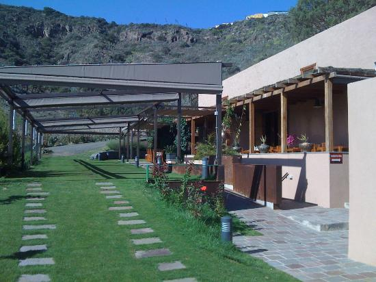 Hotel Rural El Mondalon: jardin su restaurant