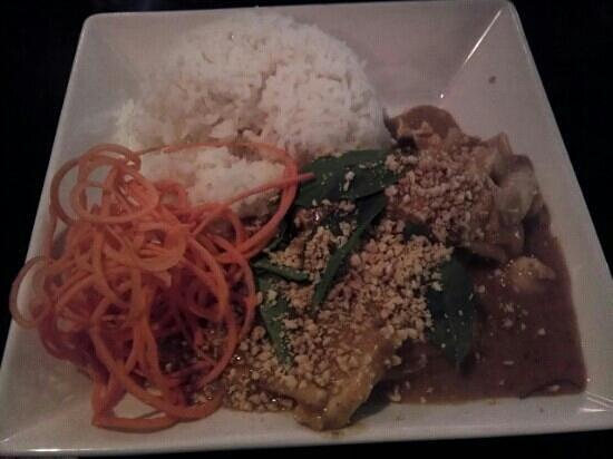 Bamboo Shoot: Thai curry penan chicken