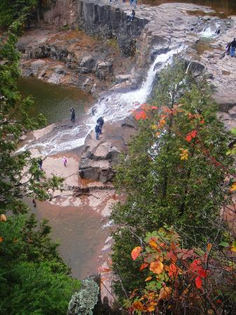 Gooseberry Falls State Park: Gorge view at Gooseberry falls