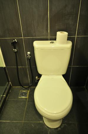Favehotel Cenang Beach : toilet