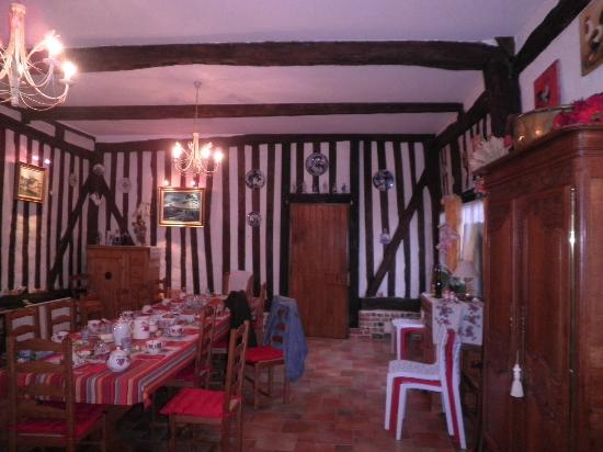 La Grange St Léger : La salle du petit dejeuner