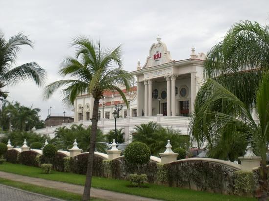 Hotel Riu Palace Riviera Maya: Stunning