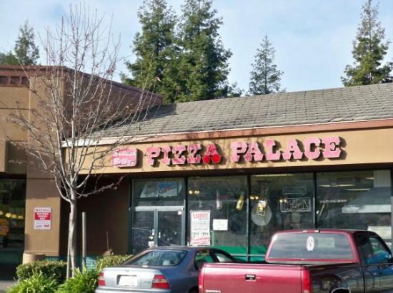 Bronco Billy's Pizza Palace: Bronco Billys Pizaa Palace (Hayward)