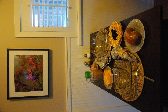 Garden Isle Guest Cottages: the breakfast