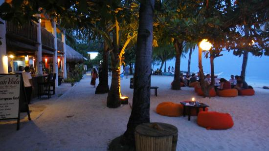 Ocean Vida Beach & Dive Resort: Beach front