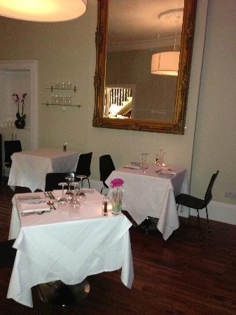 كابيتال ريزيدانس: Restaurant und Fruehstucksraum 