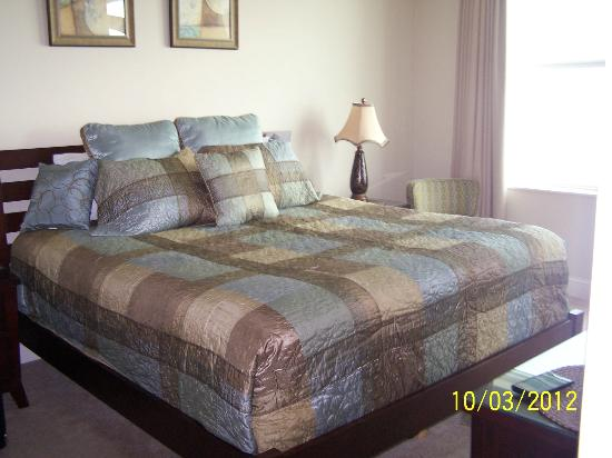 Aqua: Master Bedroom