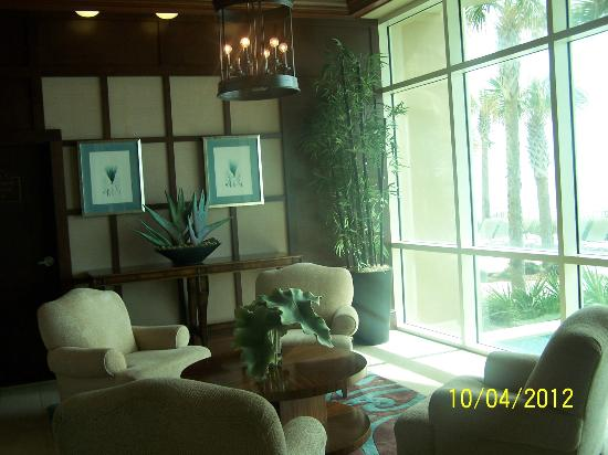 Aqua: Sitting Area in Lobby