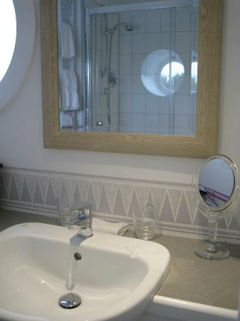 Ennys: One of the bathrooms (see shower in mirror)