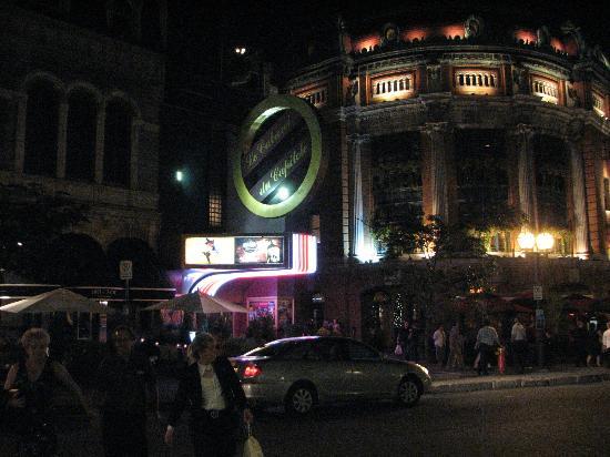 Théâtre Capitole: Vue du Capitole la nuit