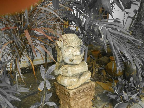 Rajapruek Samui Resort: A statue.
