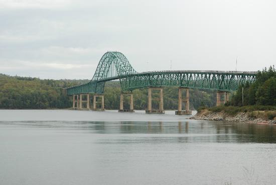 Bras d'Or  Lake: crossing a scenic bridge