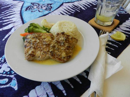 Jenny's Place: leckeres Fisch-Menue im kleinen Restaurant