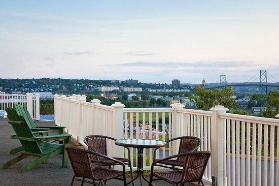 Travelodge Suites Halifax Dartmouth: Enjoy views of the MacKay Bridge from our front porch.