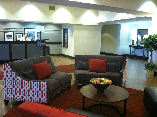 Hampton Inn Garden City: New Lobby
