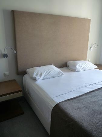 Oktober Downtown Rooms: super comfy bed