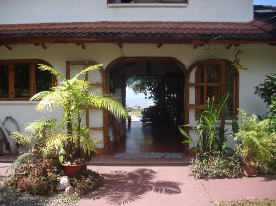 Hotel El Perezoso: Hotel Entrance