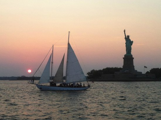 Manhattan by Sail - Shearwater Classic Schooner