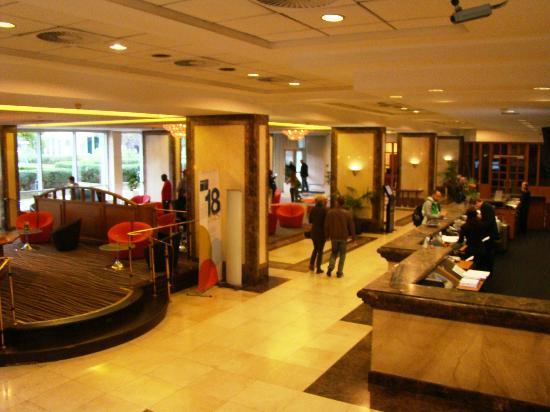 โรงแรมบาร์เซโล โคโลญจน์ ซิตี้ เซ็นเตอร์: Barcelo Cologne City Center