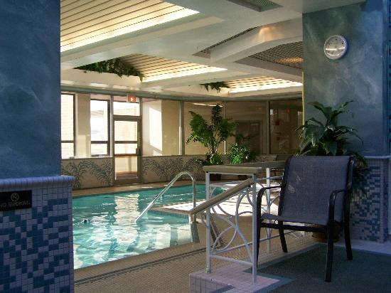 BEST WESTERN PLUS Captain's Quarters: pool and spa