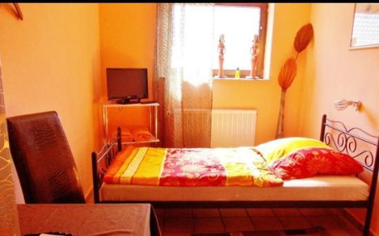 Peperoncini Restaurant & Gaestezimmer Goppingen: Room Sahara, Einzelzimmer