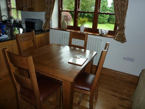The Old Vicarage Country House Bed & Breakfast: Dining Room Table for 4